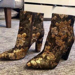 NEW Jessica Simpson brocade teddi booties